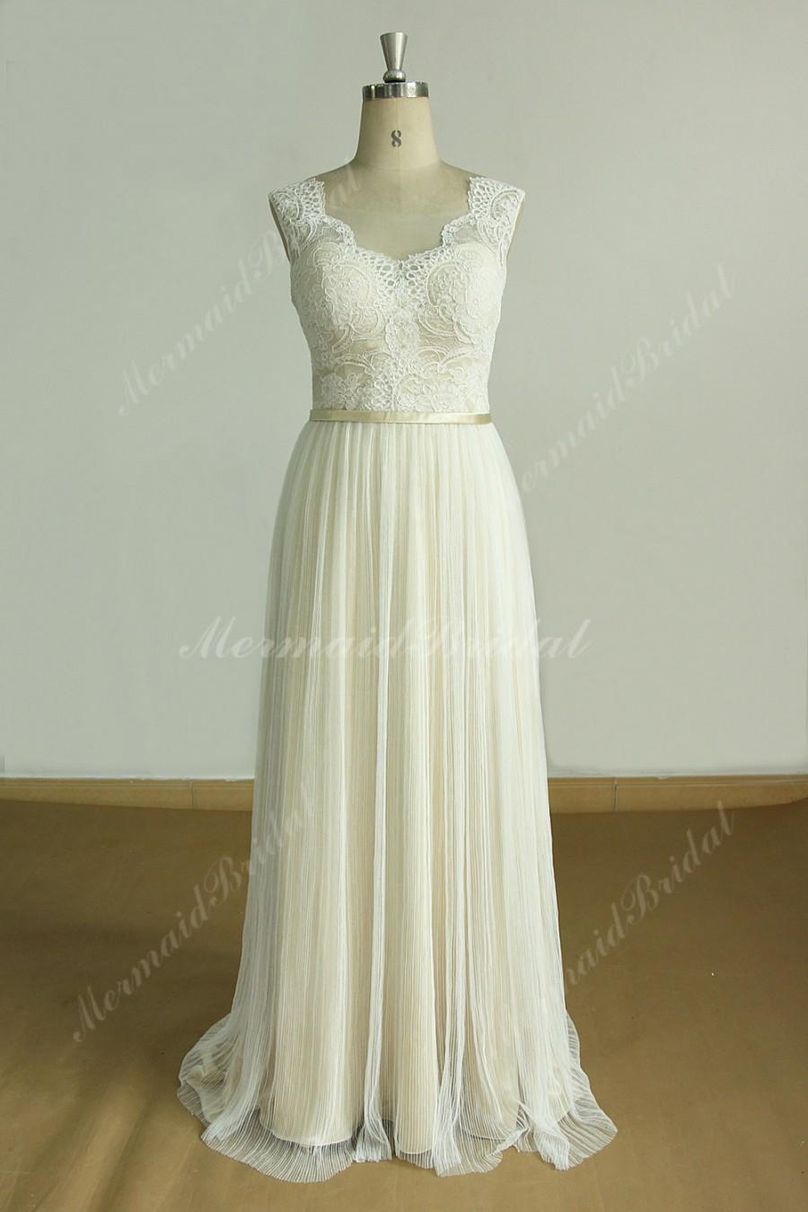 Hochzeit - Open back a line lace wedding dress with pleated tulle skirt and champagne lining