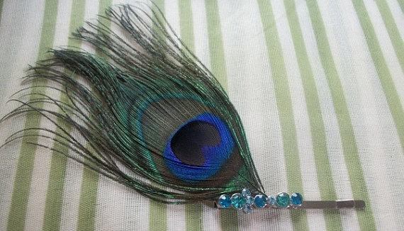 Свадьба - Peacock Feather Hair Pin With Turquoise Rhinestones