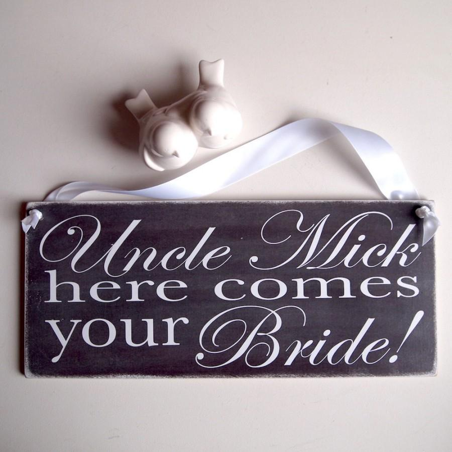 Свадьба - Personalised Here Comes Your Bride Ring Bearer Page Boy Chalkboard Monochrome Wedding Sign Aisle Plaque