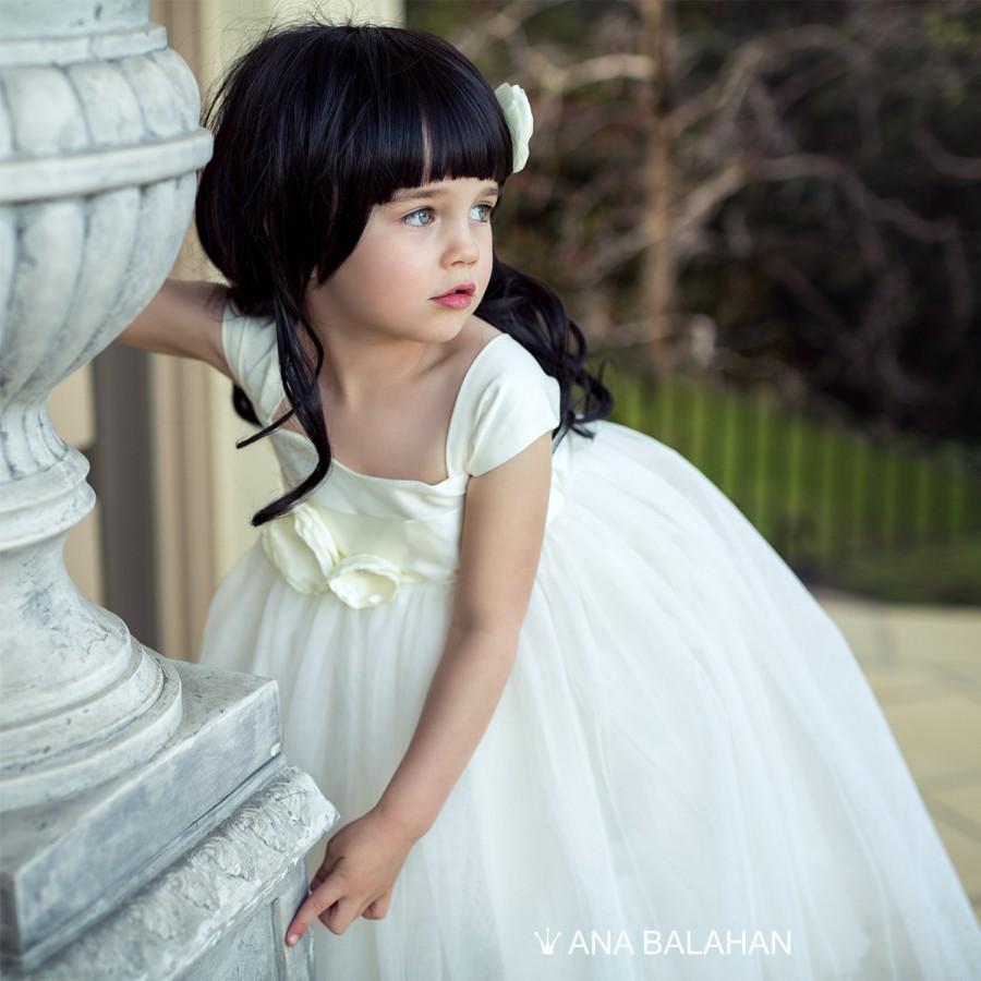 Wedding - Flower girl dress, Vintage flower girl dress, Classic ivory dress, Fairy dress, Birthday girl dress, Princess Dress with belt, Baptism dress