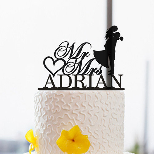 Свадьба - Wedding Silhouette Cake Topper-Personalized Mr and Mrs Cake Topper-Rustic Bride and Groom Cake Topper-Custom Last Name Topper-Acrylic Topper