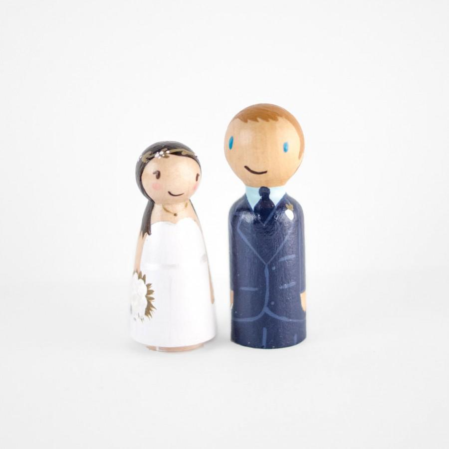 Mariage - Personalized Bride and Groom Cake Topper - couple wedding cake topper - wooden people cake topper - custom peg people wedding cake topper