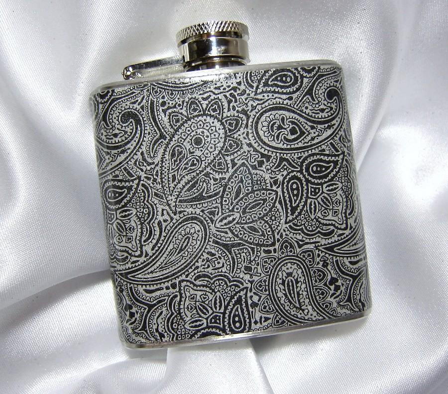 Свадьба - 3 oz. Womens Hip Flask Black and Silver Paisley  w/ Black Tote and Funnel - Great Gift Idea
