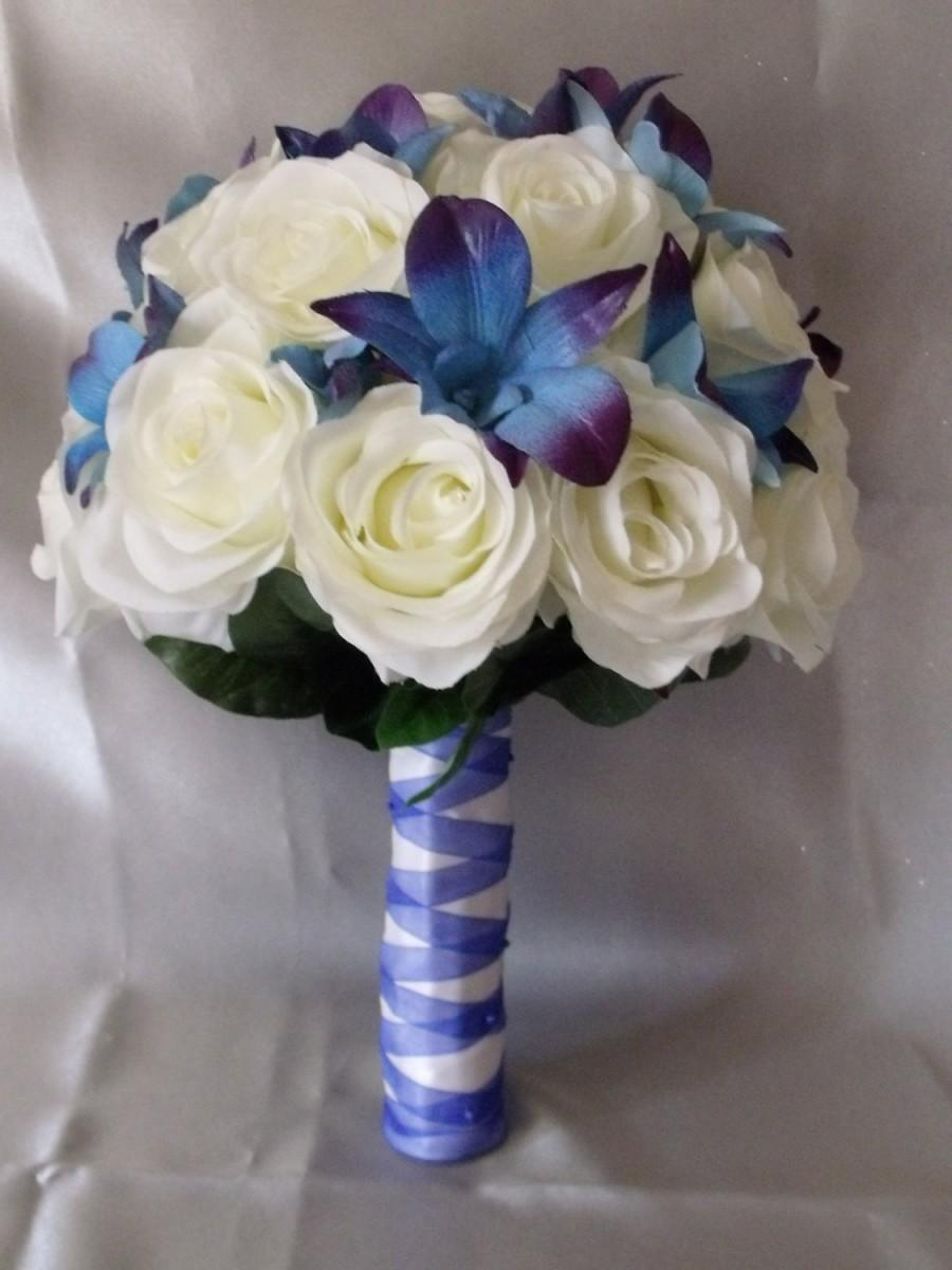 Свадьба - Lovely blue galaxy dendrobium orchids with open roses, bridal package, choose your orchid