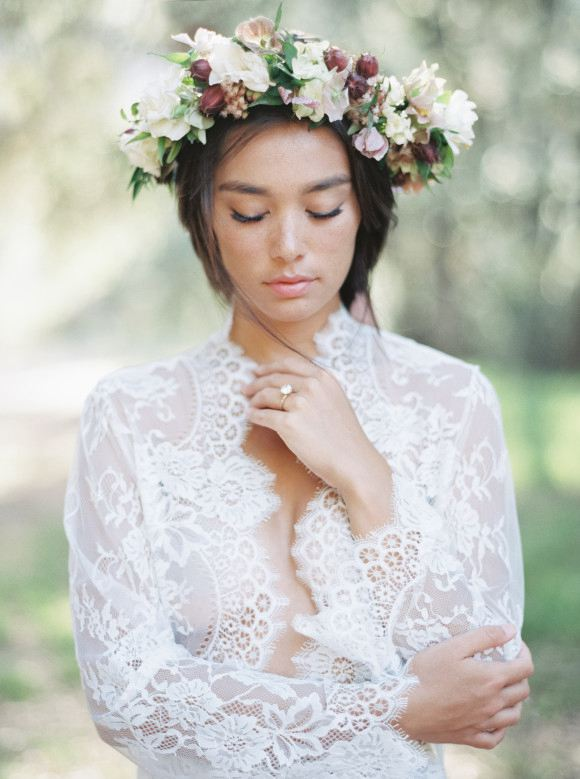 Düğün - Bridal Braid Inspiration with a Floral Crown