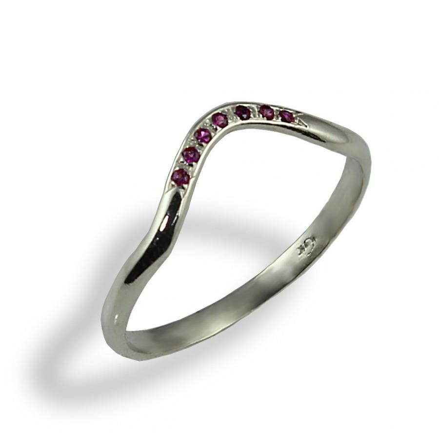 Mariage - Ruby Contoured Wedding Ring, Thin Wedding Ring , Whit Gold , Delicate Band , Red Ruby Ring , Stacking Ring , Gemstone Wedding Ring , Halo
