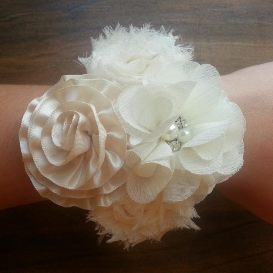 Свадьба - Wedding Corsage; Bridal Corsage; Shabby Flower Corsage; Mother of the Bride Corsage; Mother of the Groom Corsage; Prom Corsage