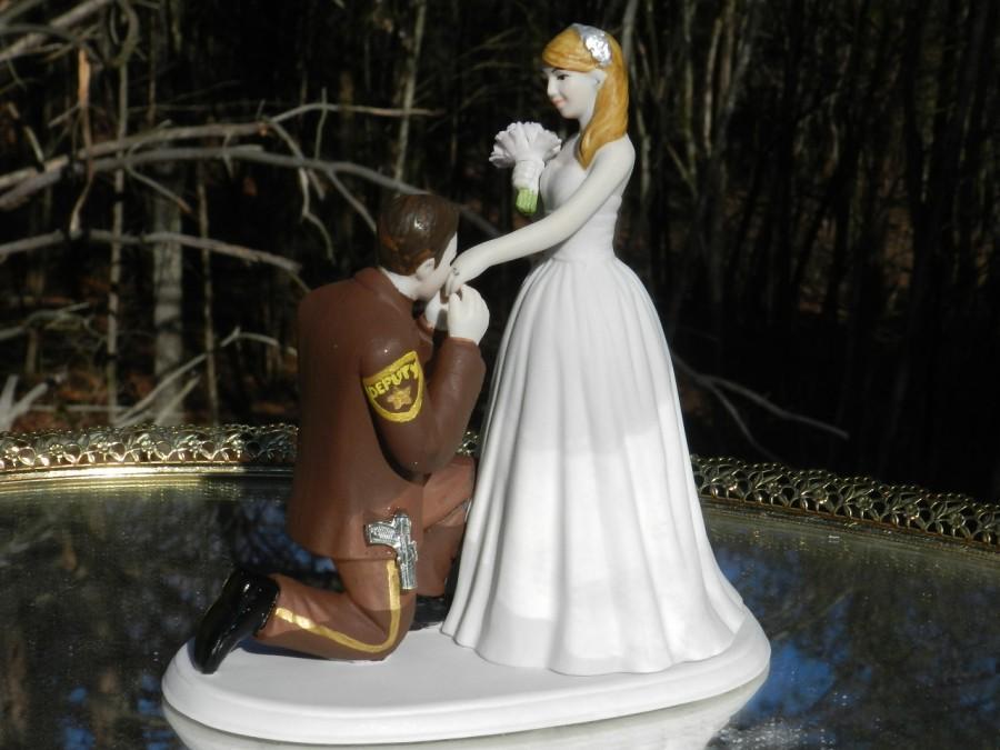 Свадьба - Deputy Sheriff cop law enforcement prince wedding cake topper KNEEL