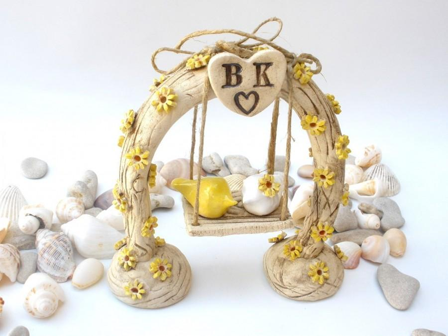 Свадьба - Custom wedding toppers,  A pair of romantic love birds swings under their love tree arch or rustic horse shoe