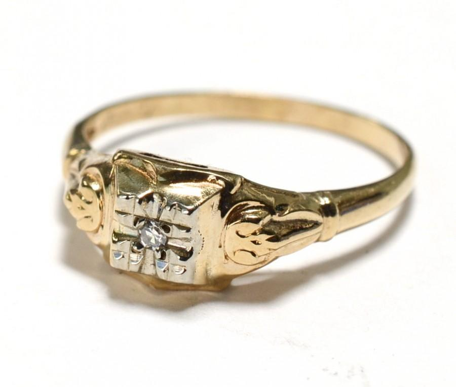 Свадьба - Art Deco 14K Diamond Engagement Ring - Size 7