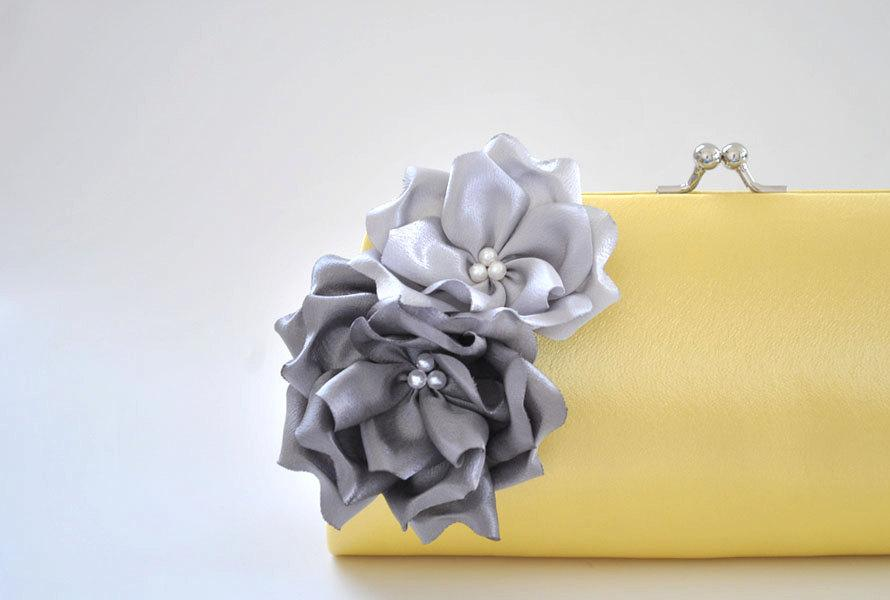 Свадьба - Pale yellow clutch with Gray and Silver flowers - Bridesmaid Clutch / Bridal clutch / Prom Clutch