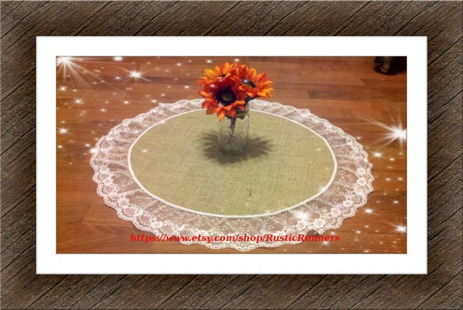 Etonnant Rustic Charm Spring Wedding Table Centerpiece Burlap Overlays With White  Lace Round Table Runner Rustic Barn Wedding Rustic Burlap And Lace