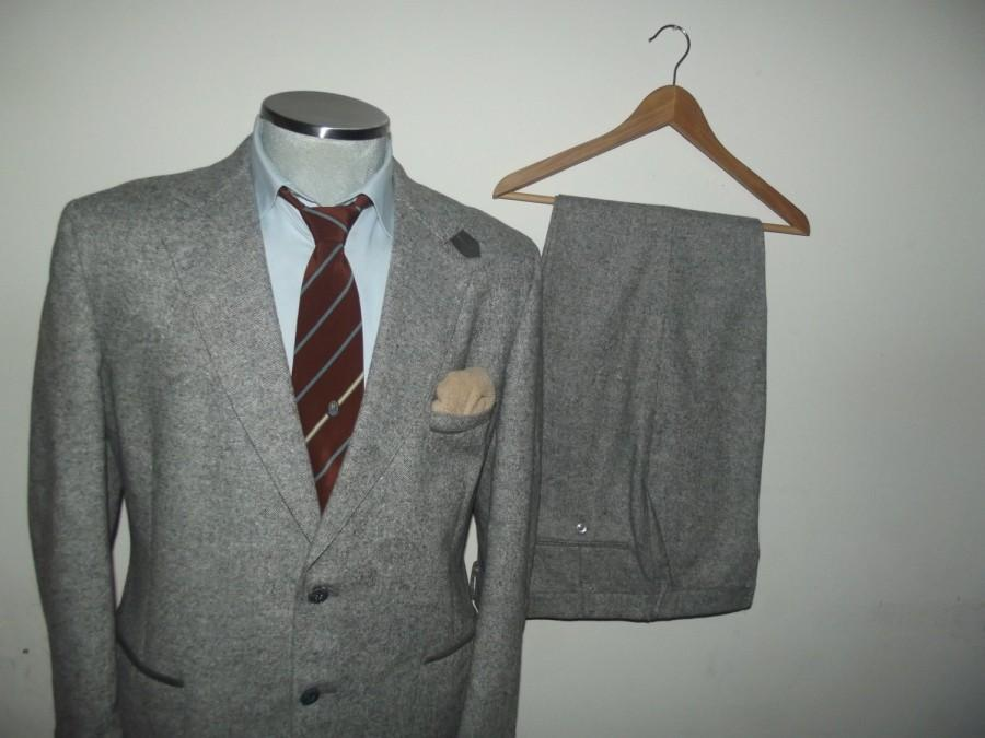 Hochzeit - Vtg 2pc TWEED SUIT / Jacket & Trousers / Classic 1960s Gray Tweed Two Piece Suit / Pleated Patch Pockets with Trim /Size 44R / Large / Lrg L