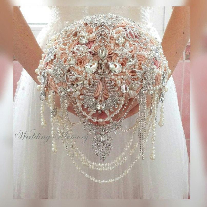 Свадьба - BROOCH BOUQUET Cascading princess blush glamour brooch bouquet by Memory Wedding