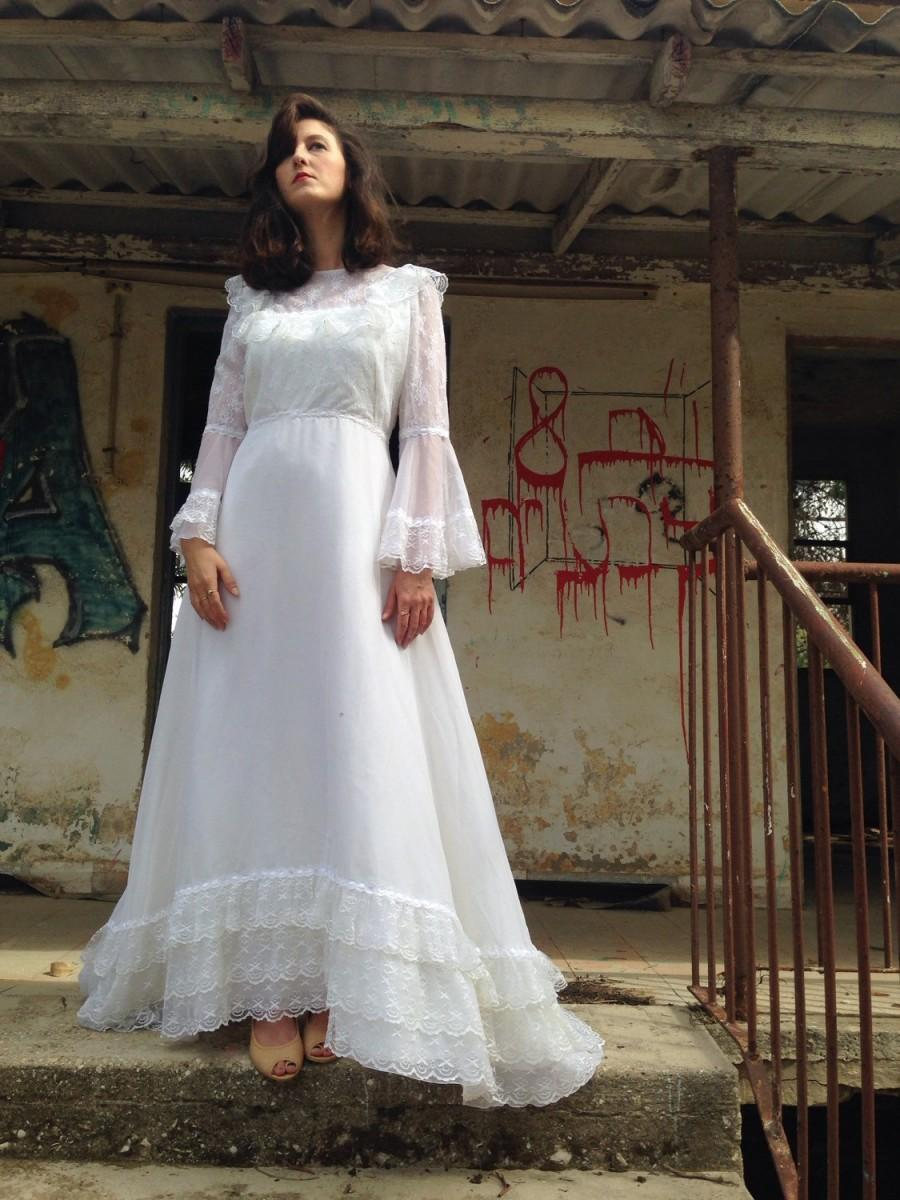 Beautiful Vintage Wedding Dress Second Hand As New