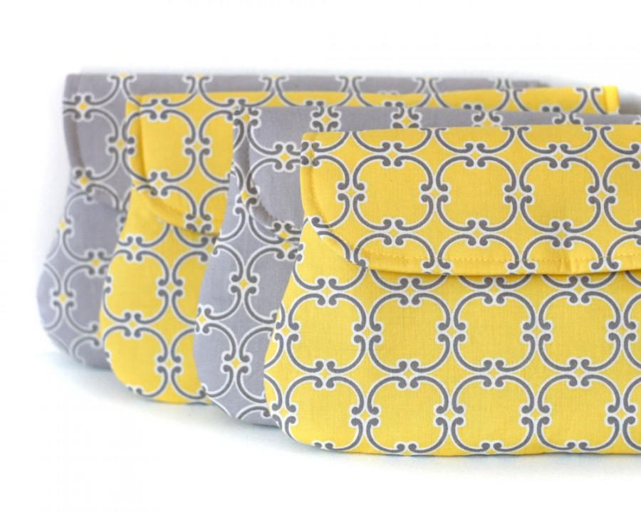 Mariage - set of 4 - yellow and grey bridesmaid clutch, wedding clutch, bridesmaid gift, Medalions in yellow and gray
