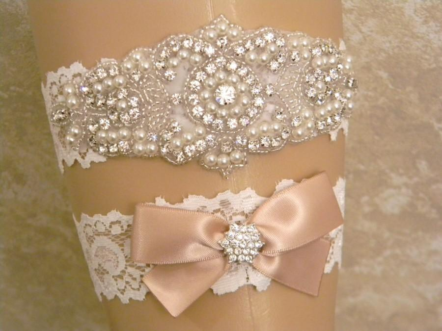 Свадьба - Wedding Garter Set, Champagne Bridal Garter, Pearl and Rhinestone Garter and Toss Garter Set, Light Ivory Lace Garter Set, Lace Garters