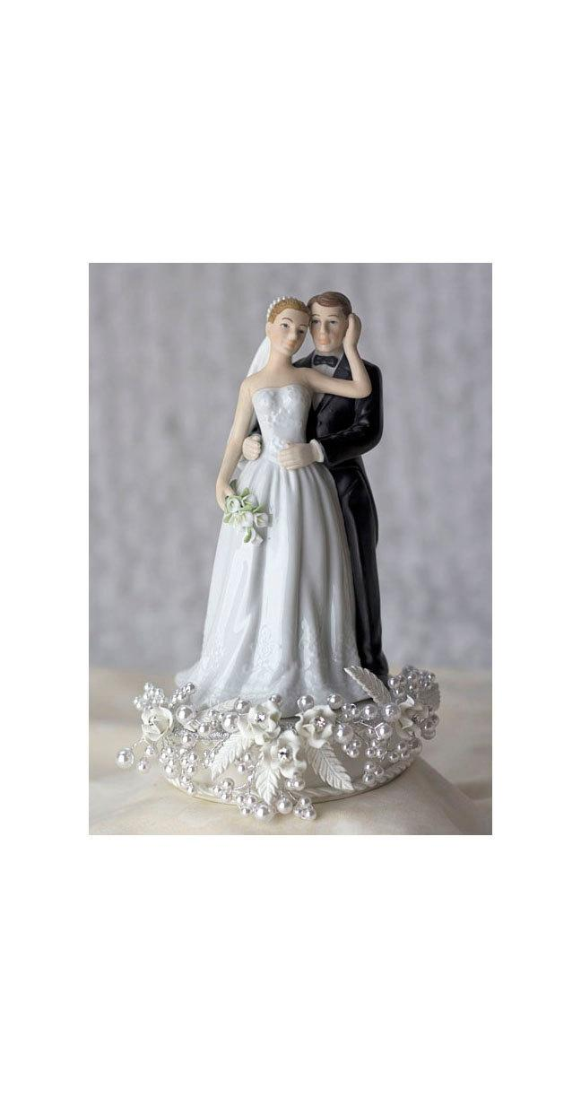 Свадьба - Rose and Pearls Bride and Groom Cake Topper (Silver or Gold) - Custom Painted Hair Color Available - 101123C