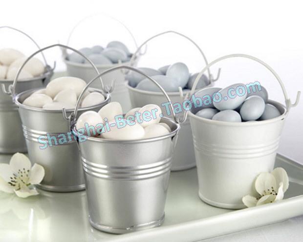 Hochzeit - Aliexpress.com : ซื้อสินค้า60ชิ้นสีขาว; 60ชิ้นเงินของที่ระลึกงานแต่งงานกล่อง, พรรคโปรดปรานดีบุกถังWJ034 จากผู้ขายที่กล่องถัง เชื่อถือได้บน Shanghai Beter Gifts Co., Ltd.