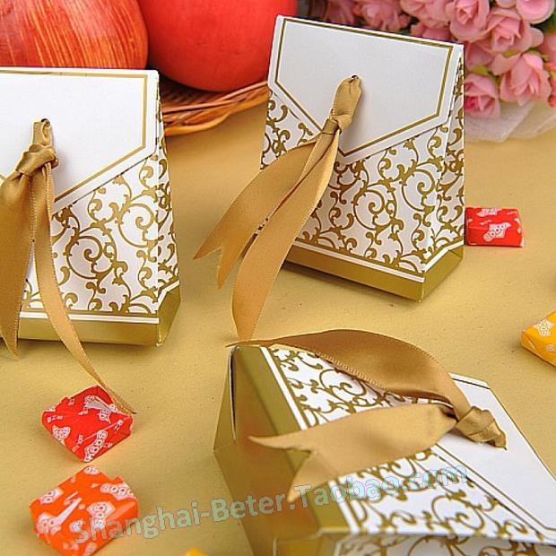 Hochzeit - Aliexpress.com : ซื้อสินค้าจัดส่งฟรี360ชิ้นครบรอบกล่องโปรดปรานด้วยริบบิ้นทองTH016 จากผู้ขายที่ตกแต่ง เชื่อถือได้บน Shanghai Beter Gifts Co., Ltd.