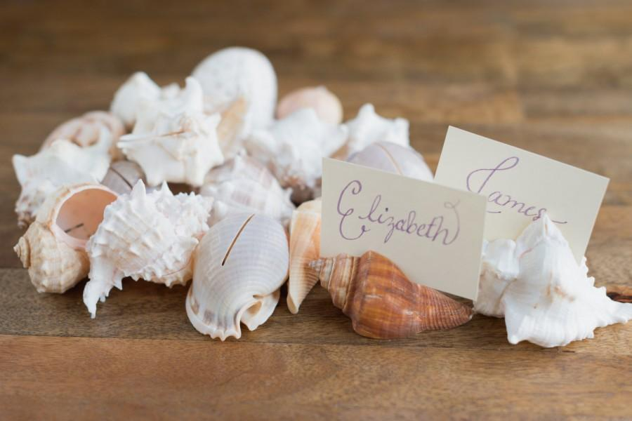 Mariage - 20 Seashell Place Card Holders for Beach Weddings