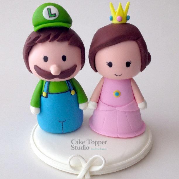 Свадьба - Cute Luigi and Peach  Wedding Cake Topper