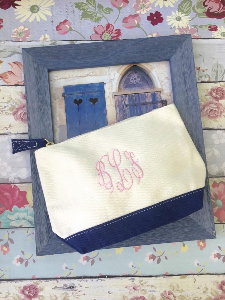 Hochzeit - Navy accessory bag , bridesmaid make-up bags, monogrammed bag, wedding bag , bridesmaid gifts , personalized bridesmaid gifts