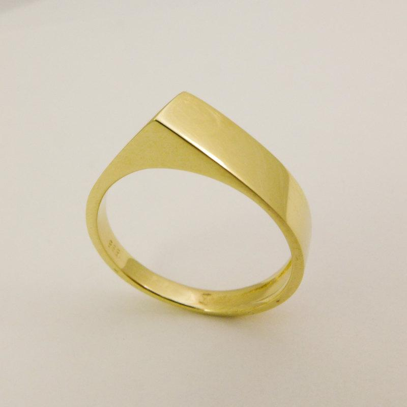 Hochzeit - 14 karat solid gold ring, Hand made geometric wedding ring, Unique triangle wedding ring, Simple gold ring for women, Modern gold ring