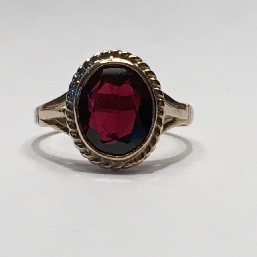 Vintage 9k Antique Style Garnet Ring