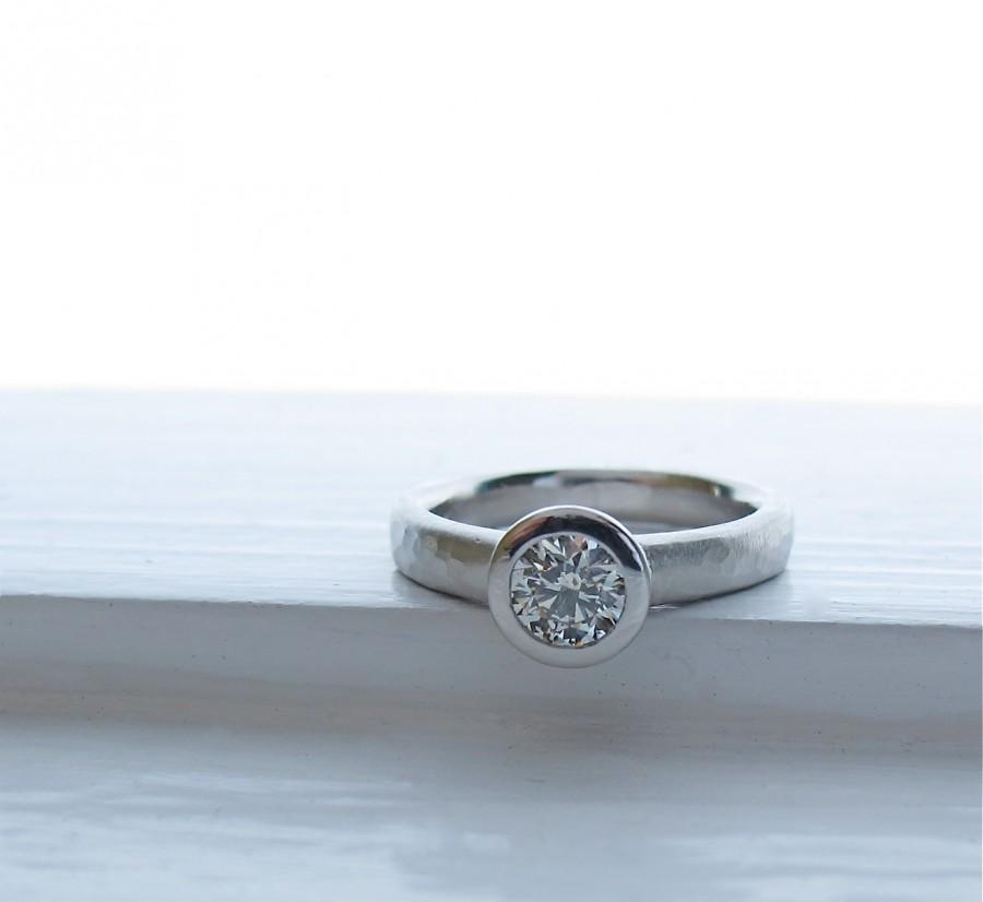 Свадьба - Platinum and Diamond All Weather  Engagement Ring