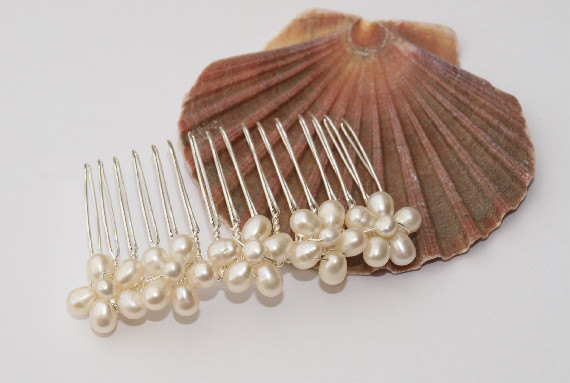 Mariage - Wedding Pearl Hair Comb Bridal Hair Accessory with Ivory Real Pearl Flowers Bridesmaid Headdress Maid of Honor Head Piece Daisy