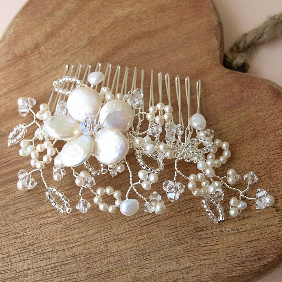 Mariage - Antique Lace Hair Comb, Floral Headpiece Lace Inspired Bridal Headdress Ivory Pearl Clear Crystal