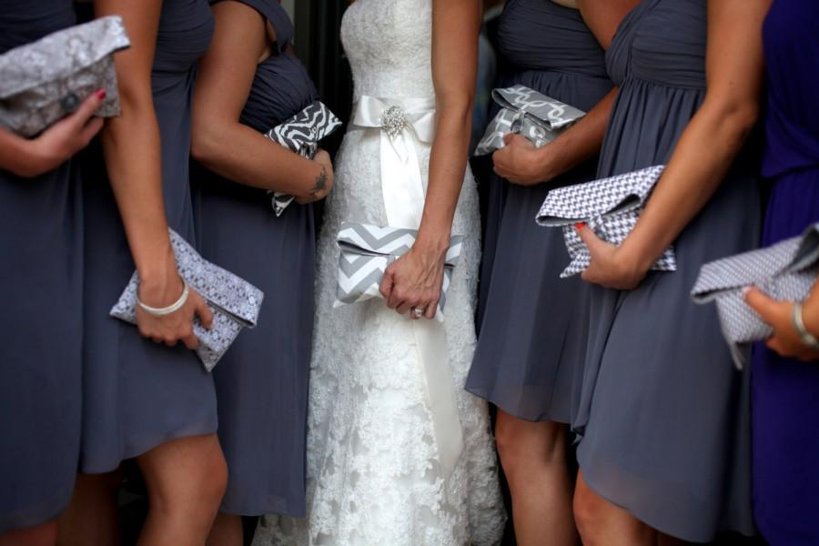 Mariage - Set of 6 Bridesmaids Clutches Makeup Bags Choose from Our In Stock Fabrics - Size Medium
