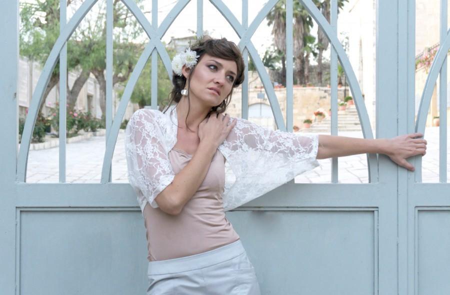 Mariage - White lace shawl, bridal lace shawl, wedding shawl,  bridal cover up, bridal wraps shrugs boleros