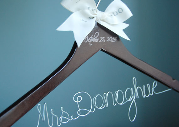 Mariage - Bride Hanger, Dark Wooden Hangers, Calligraphy Hanger, Personalized Wooden Wire Bridal Hanger, Gift For Her, Maid of Honor Gift,