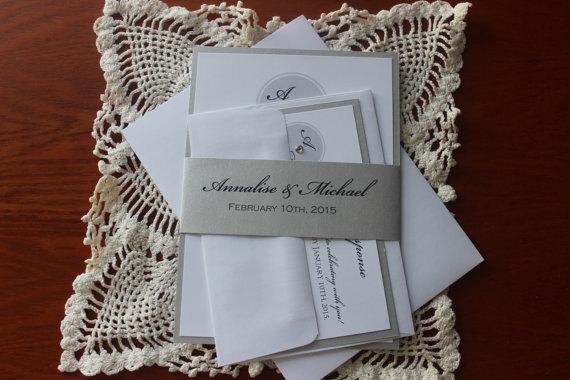 Mariage - Silver Monogram Wedding Invitation / Bellyband Wedding Invitation/Modern Invitation
