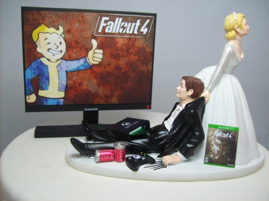 Fall 4 Funny Wedding Cake Topper Video Gamer Bride Groom Xbox One PS4 PC Game Junkie Dogmeat Dog Custom Personalized OUT
