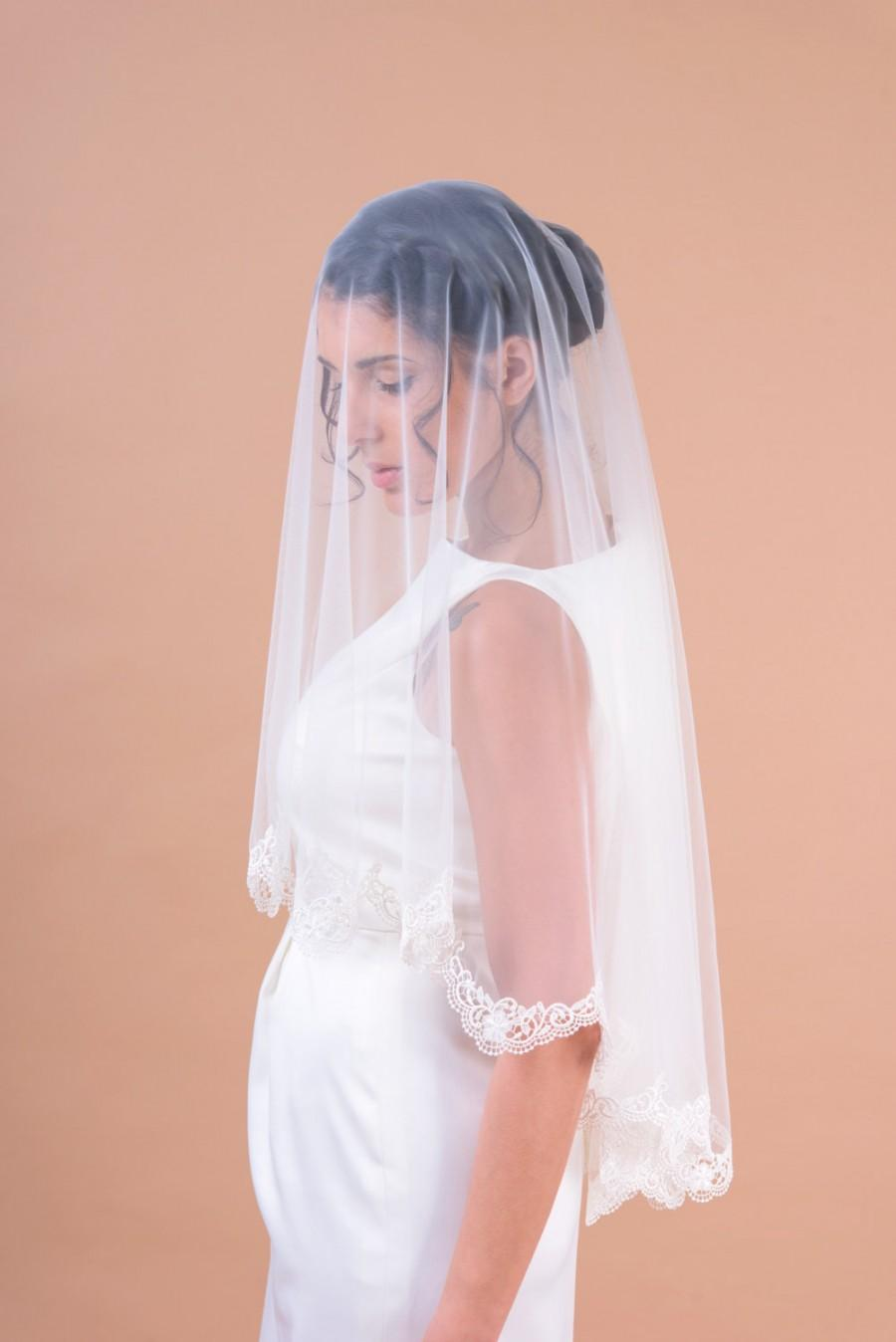 Mariage - Kate II - two layers wedding bridal veil, scallop shaped guipure lace