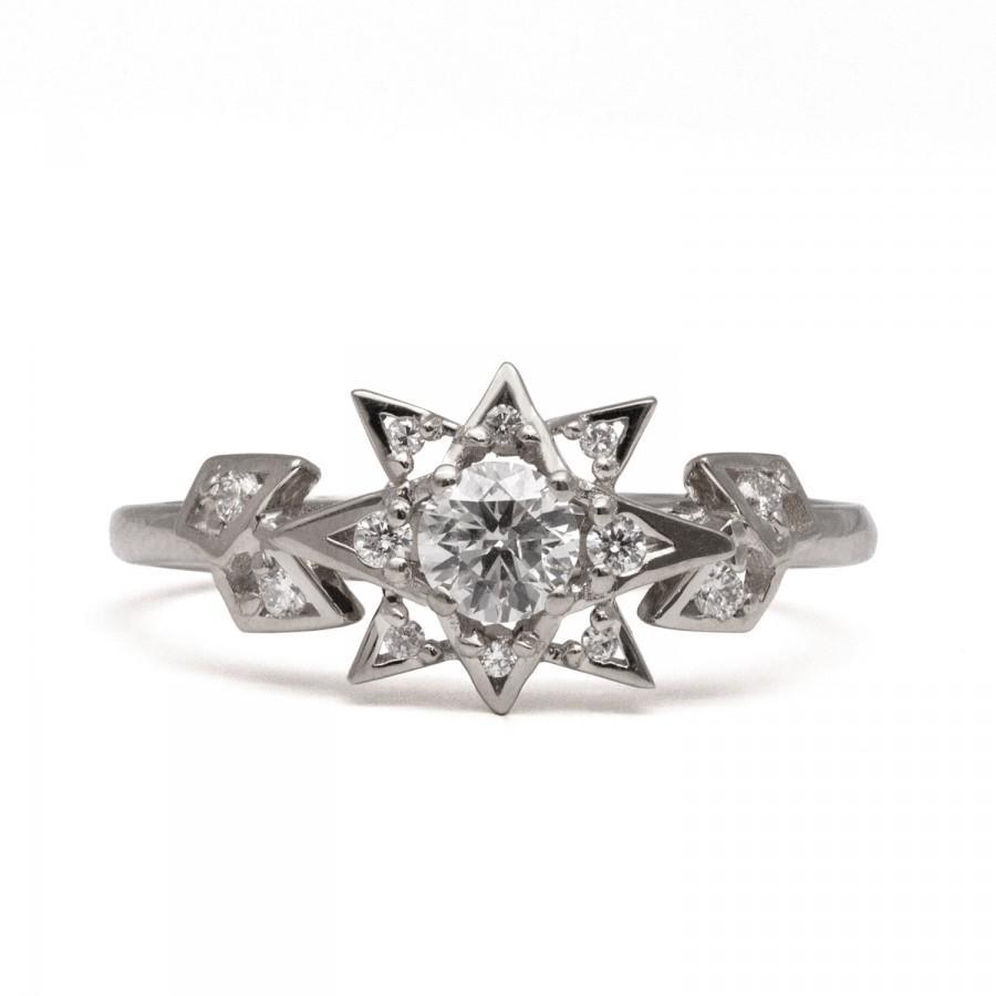 Свадьба - Diamond Art Deco Star Engagement Ring - Unique engagement ring, 18 White Gold Star ring, unique engagement ring, antique, vintage, halo ring