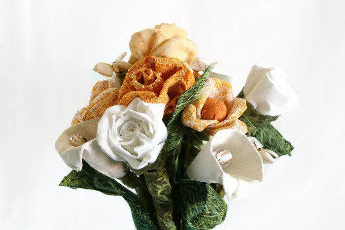 Свадьба - Hand Crafted Cream and Yellow Everlasting Sculpted Fabric Flower Bouquet - Beaded and Fabric Flower Bouquet for Bridal or Gift