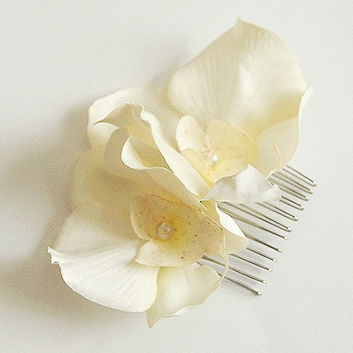 Mariage - Ivory Orchid flowers hair comb, any occasion, wedding, bridesmaid, hairpiece