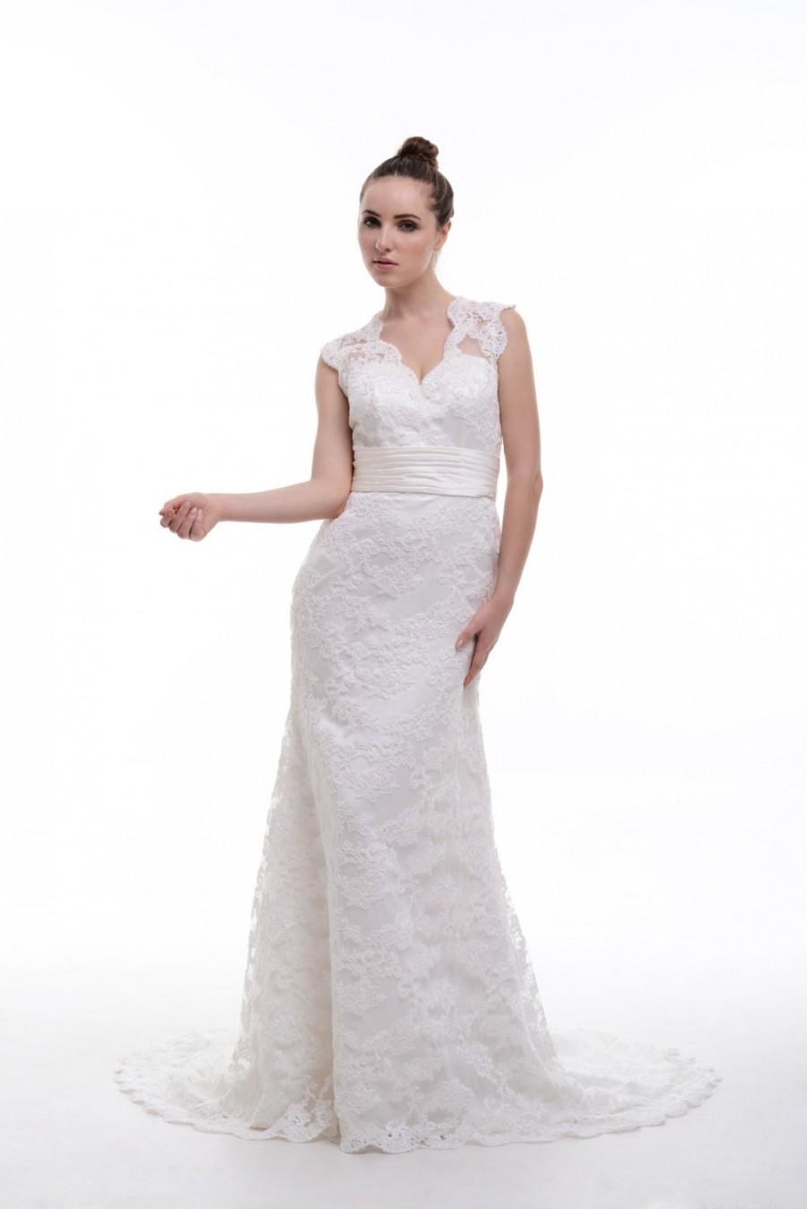 Wedding - V-neck Floor-Length Lace Wedding Dress With Scalloped Edge