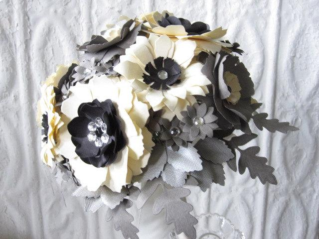 Mariage - Paper Flower Bouquet in Grey, Cream and Black