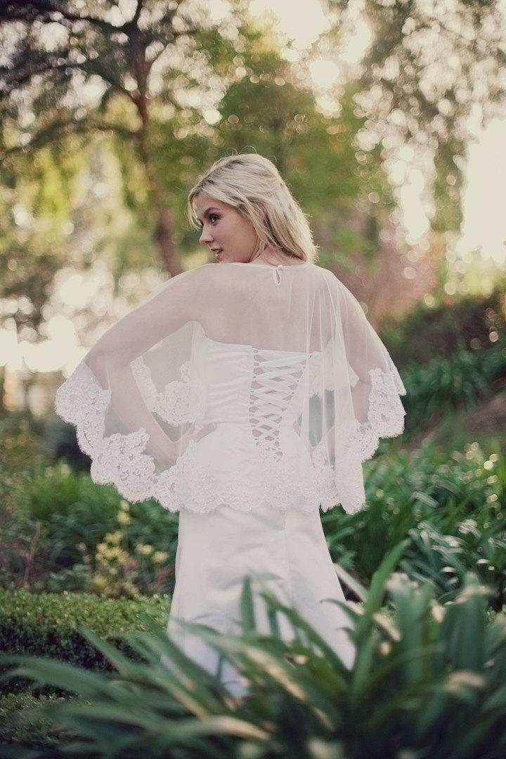 Свадьба - Alencon Lace Bridal Cape, Capelet, Cover up, Bridal Cape, Lace Cover Up, Bridal Shawl, English Net Cape, Lace Caplet