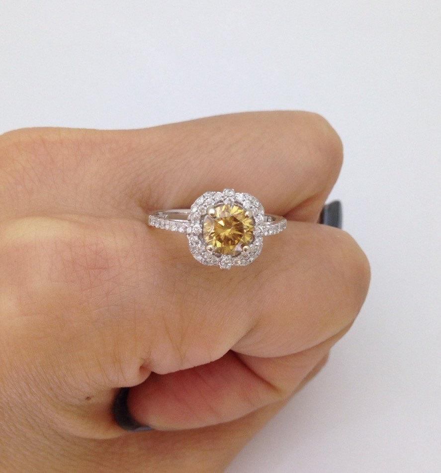 زفاف - Light Golden Brown Moissanite with Diamond Halo Ring Ring - 14K White Gold