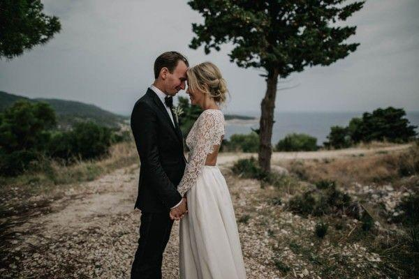Hochzeit - This Fort George Croatia Wedding Is Where Rustic Meets Chic