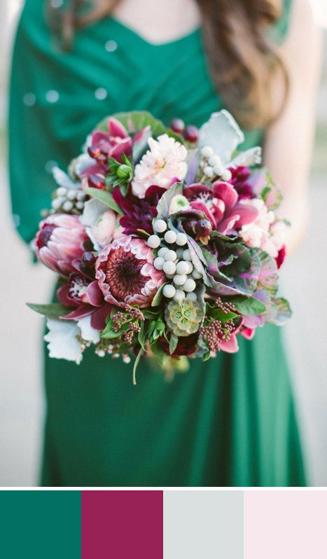 5 Emerald Green Color Palettes For Your Wedding Day
