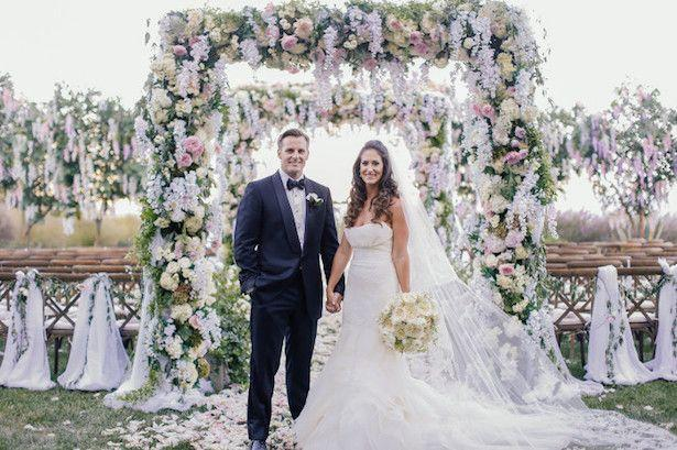 Hochzeit - 20 Wedding Ceremony Ideas That Will Take Your Breath Away - Belle The Magazine