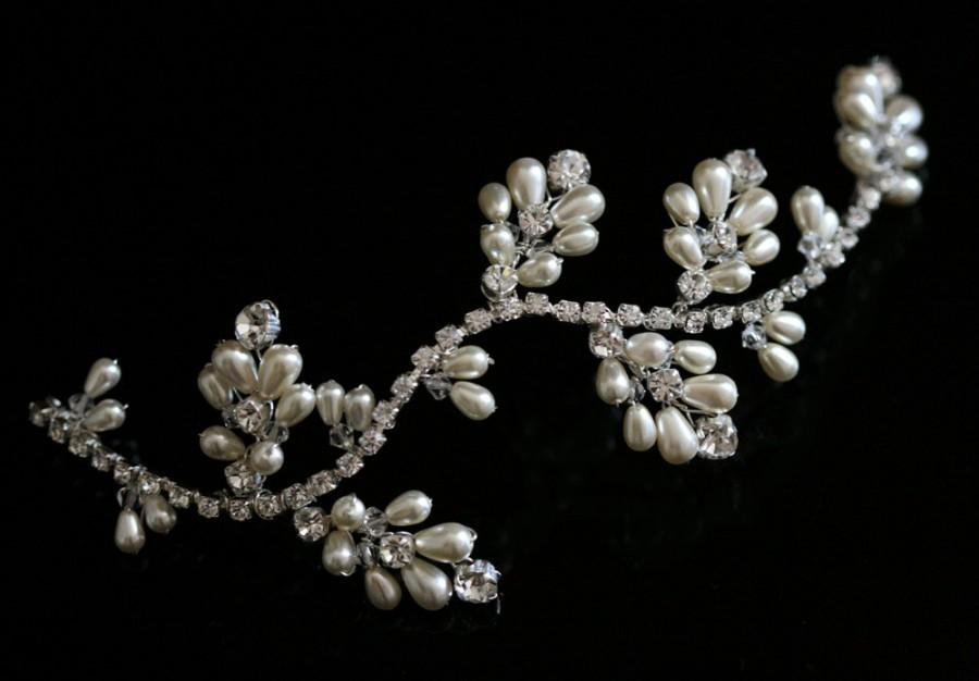 Mariage - Handmade Bridal Wedding Hair Vine made with Swarovski Crystal Rhinestones & Pearl alt Tiara