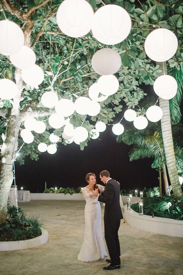 Hochzeit - Jamaica Wedding At Round Hill Montego Bay :: Raine & Aldo - Snippet & Ink